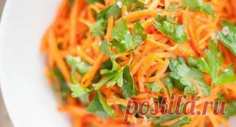 Салаты из корейской моркови - просто и вкусно! Я уверена, что среди ваших знакомых найдется достаточное количество любителей моркови по-корейски. В меру острая закуска, со сладким привкусом очень