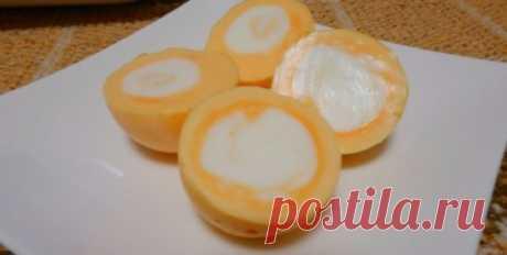 «По-японски»: как сварить куриное яйцо желтком наружу