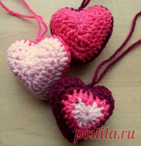 Вязаное сердечко-саше