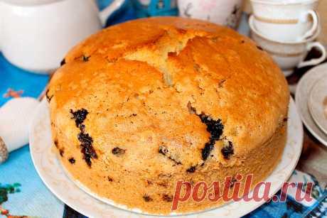 Постный манник с черной смородиной - вкусный и рассыпчатый Постный манник можно приготовить на воде и растительном масле. Идеальное сочетание – черная смородина, которая придает сладкому бисквиту приятную кислинку.