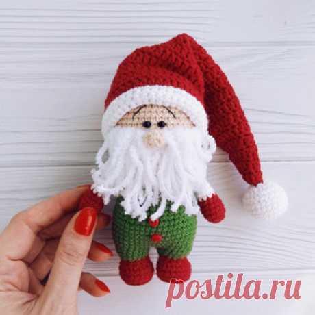 Рождественский гном амигуруми. Схемы и описания для вязания игрушек крючком! Бесплатный мастер-класс от Людмилы Орловой по вязанию рождественского гнома крючком. Высота вязаной игрушки примерно 13 см. Для изготовления такого гн…