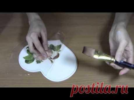 Декупаж: Как приклеить салфетку без складок.Приклеиваем салфетку методом файлика. - YouTube