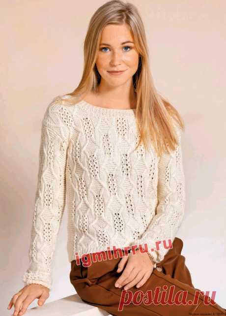 Светлый пуловер со сквозными мотивами. Вязание спицами со схемами и описанием