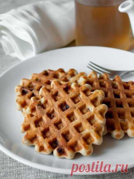 Рецепт арахисовых вафель с шоколадной крошкой на Вкусном Блоге