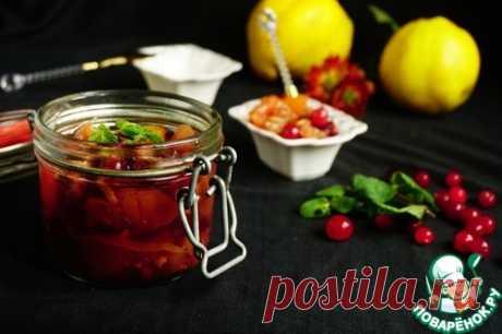 Айвовое варенье с клюквой и орехами – кулинарный рецепт