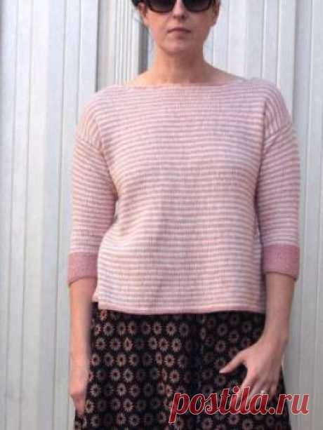 Пуловер Камерон Простой но стильный женский пуловер в полоску, связанный на спицах 4.5 мм из тонкой смесовой летней пряжи на основе шелка...