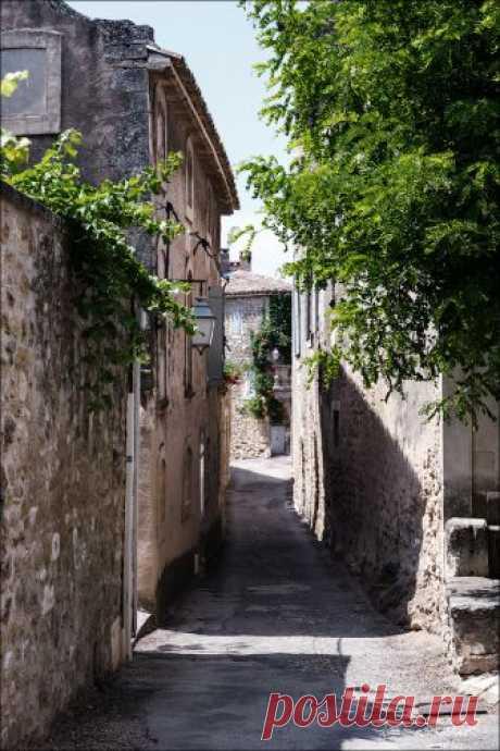 Чарующие уголки горного Прованса.Менерб (Menerbes) .Франция.