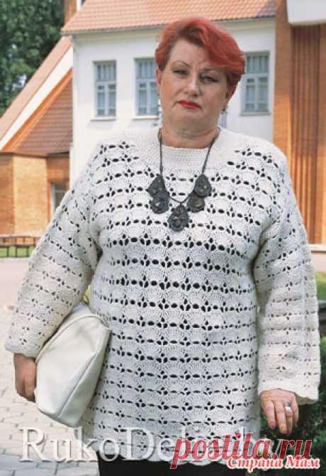 Ажурный пуловер крючком. Плотность вязания: 25 в. п. нач. ряда х 10 рядов = 10 х 10 см.  Выкройка модели: Размер: 52-54.