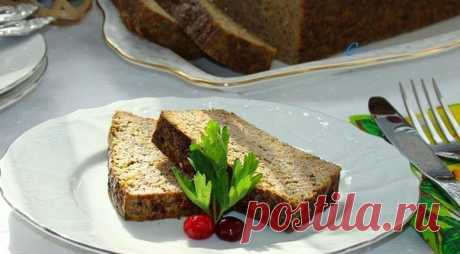 Нежное суфле из куриной печени  Ингредиенты:   Куриная печень — 400 г  Лук репчатый — 1 шт.  Морковь — 1 шт.  Сметана — 4 ст. л.  Крупа манная — 4 ст. л.  Куриное яйцо — 1 шт.  Зелень укропа — 1 пучок  Масло сливочное — 1 ст. л.  Соль — 1 щепотка  Специи — 1 щепотка   Приготовление:   1. Куриную печень очистить, промыть и пропустить через мясорубку вместе с луковицей и морковью.  2. К фаршу добавить сметану, манную крупу, нашинкованный укроп, соль, специи. Яйцо размешать в...