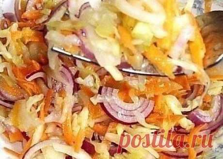 🥗Вкусная капустка за сутки🥗  🥗Как готовить:  1. Нарезать капусту На 1 литр-600 г  2. Морковь натереть на терке-кому как нравится На 1 литр-250  3. Капусту хорошенько обмять и перемешать с морковкой 4. Можно для вкуса добавить ТМИН и черный горошек  5 Утрамбовать капусту в банку  🥗Готовим Рассол:  НА 3 ЛИТРА:  - 1 литр горячей кипяченой воды - 1 стол лож Сахара - 2 стол лож Соли - 1 стол лож 70% уксусной эссенции  1ст. ложка 70%-ой эссенции - это 8 ст. ложек 9%-ного укс...