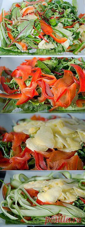 Салат с ананасом, свежим огурцом и болгарским перцем