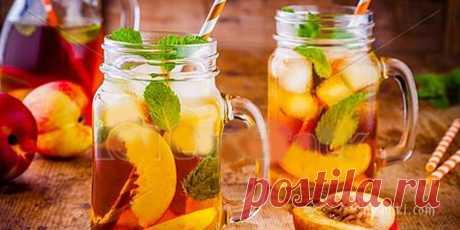 Персиковый чай со льдом В жаркий летний день можно приготовить сладкий ледяной чай со вкусом персика - полезный напиток для всей семьи!