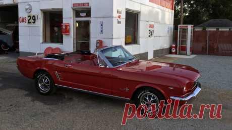 1966 Ford Mustang Кабриолет | T126 / Чикаго 2015 / Аукционы Mecum 1966 г. Ford Mustang Convertible представлен как Lot T126 в Шаумбурге, Иллинойс