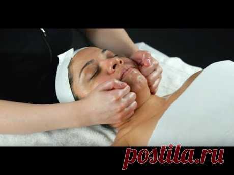 Face Neck Décolleté Massage Technique