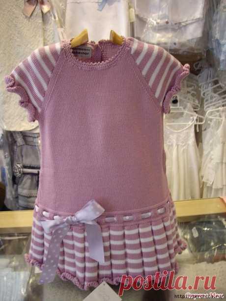 El vestido infantil por los rayos de Carmen Taberner