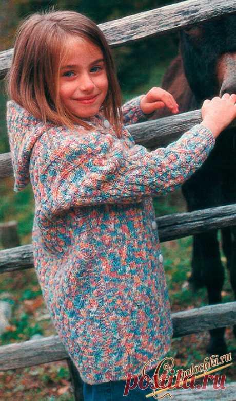 Как связать спицами детский многоцветный жакет с капюшоном для девочки