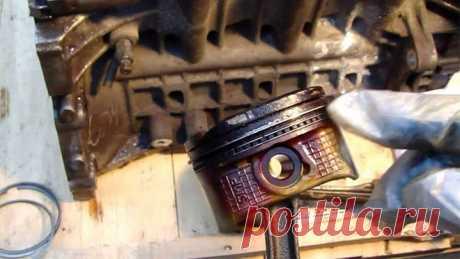 Залегли кольца в двигателе: что делать, не разбирая двигатель? Нередко можно услышать фразу, что двигатель является сердцем автомобиля. Это действительно так. Главная характеристика, определяющая надежность двигателя – это ресурс. Исходя из этого можно судить, надежен ли автомобиль в целом или нет. Ведь ремонт двигателя – это всегда сложная и дорогостоящая операция. Нередко автовладельцы сталкиваются с таким явлением, как залегание колец в двигателе. Что делать в такой сит...