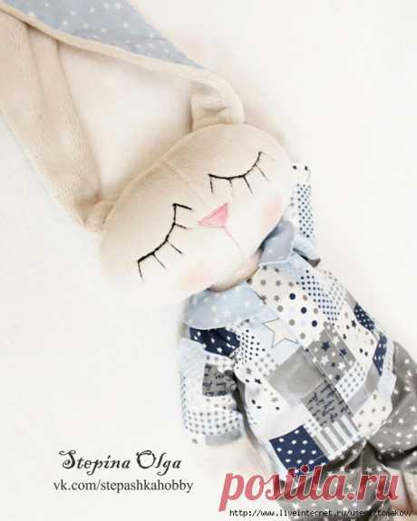 Зайка в пижамке от Ольги Степиной. Выкройка