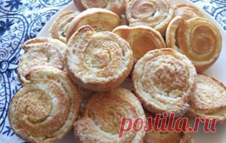 Аппетитные спиральные булочки с творогом без дрожжей и масла.