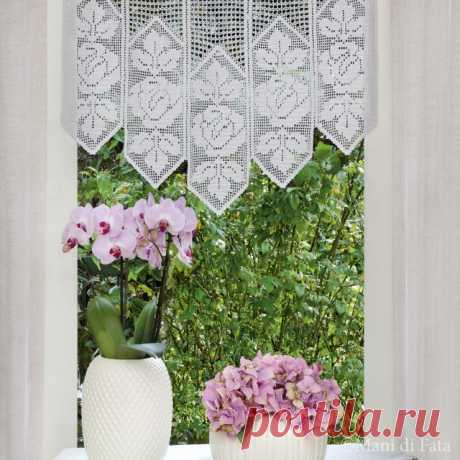 Scheme to realize the pelmet with crochet filet roses
