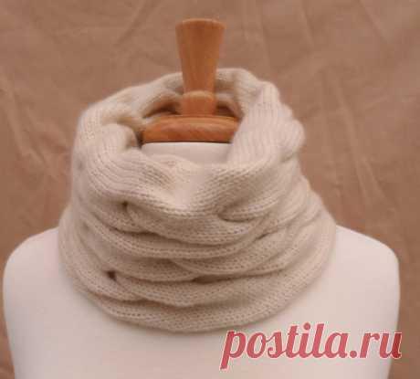 Готовимся к зиме- вяжем симпатичный и модный шарф-хомут