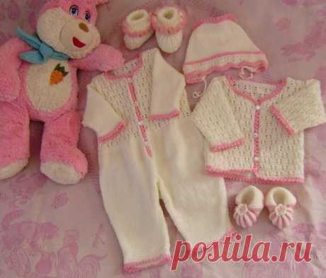 Вязанные детские вещи для новорожденного