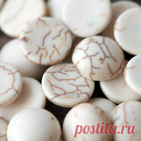 Кабошон бирюза синтетическая, круглый, цвет античный белый, 12x4.5 мм :: Crystal's - интернет-магазин бусин и фурнитуры