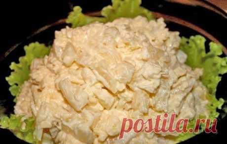 Как приготовить салат дамский - рецепт, ингридиенты и фотографии Курица, ананасы, сыр, чеснок, майонез