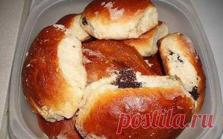 Пирожки духовые с маком и изюмом