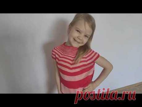 Летняя кофточка круглой кокеткой на девочку 7 - 8 лет, спицами
