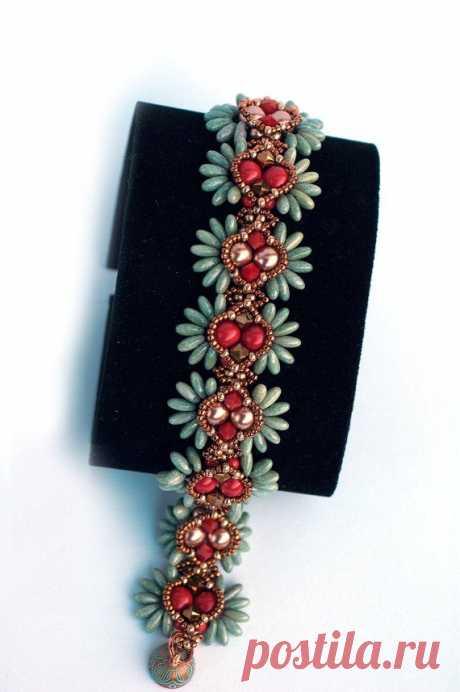 Разнообразие чешских бусин: примеры использования в украшениях – Ярмарка Мастеров