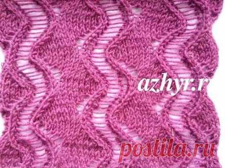 Ажурный узор с распущенными петлями Ажурный узор зигзаг спицами — Схема и описание Узор для вязания летних женских блузок, туник, пуловеров или кардиганов. Так же хорошо подходит для вязания легких ажурных шалей, палантинов, накидок из мохера или тонкой шерсти. В рапорте рисунка 12 петель + 2 кромочные. Вязать с 1-18 ряд, затем повторять ряды в этой же последовательности. На схеме показаны лицевые и изнаночные ряды. Лицевые ряды — нечетные числа, вязать справа налево, изна...