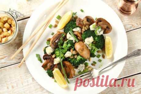 Салат с шампиньонами жареными и сыром – пошаговый рецепт с фото.