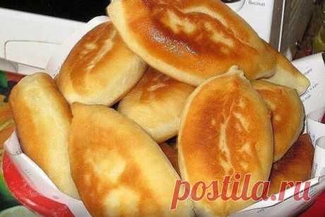 Пирожки с картошкой — бомба 0,5 литра кефира тёплого, 1 ч. ложка соды, 2 ч. ложки сахара, 1 ч. ложка соли, 3 стакана муки, 3 ст. ложки растительного масла. Замесить тесто, поставить в холодильник на …