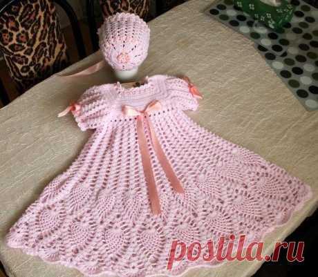 Розовое платье и чепчик для девочки. Кружевной чепчик для малышки связан крючком