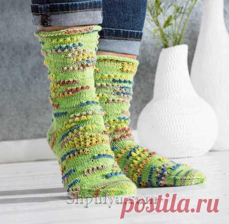 Носки с рельефными линиями — Shpulya.com - схемы с описанием для вязания спицами и крючком
