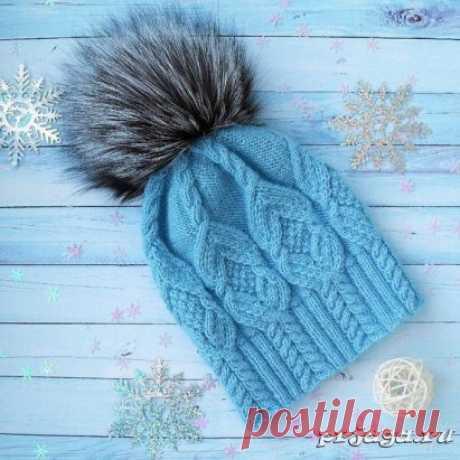 Две шапочки спицами с помпонами Описание и схема: https://prjaga.ru/vyazanie-dlya-detej/shapka-sharfik-beret/dve-shapochki-spicami-s-pomponami