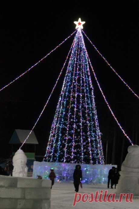Новогодне-Рождественская ёлка