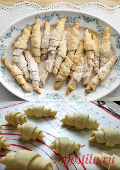 Печенье с корицей - простой рецепт очень вкусных рулетиков | ChocoYamma | Яндекс Дзен  Мне кажется, что эти вкусные и забавные пружинки с корицей из сметанного теста было бы довольно весело приготовить вместе с детьми. Им, наверняка, понравится заворачивать в рогалик треугольнички теста и пробовать сахарную смесь из грецких орехов и корицы. Именно такой будет легкая и вкусная начинка у нашего сегодняшнего песочного печенья
