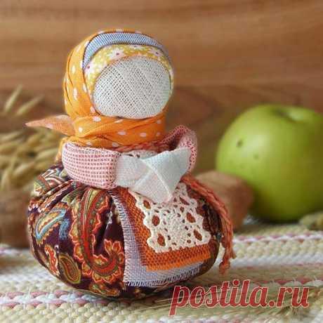 """Народная обережная кукла """"Благополучница"""" — работа дня на Ярмарке Мастеров. Узнать цену и купить: www.gelannica.livemaster.ru  Handmade folk doll #craft #art #doll #folk #handmade #livemaster #ярмаркамастеров #ручнаяработа #рукоделие #творчество #кукла #оберег #народнаякукла"""