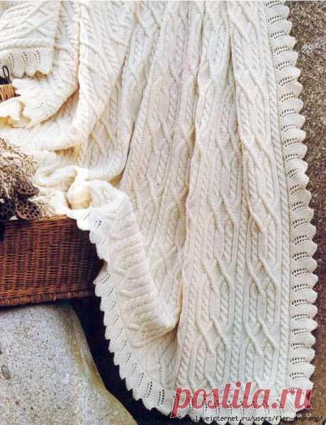 Белый плед спицами с ажурной каймой - Портал рукоделия и моды