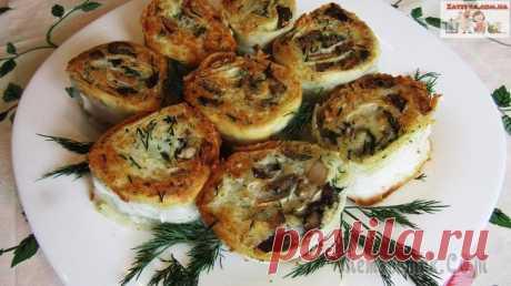 Рулетики из лаваша с картошкой и грибами Из лаваша можно приготовить множество блюд, и все они готовятся просто и быстро. В пост можно сделать вкусные рулетики с картофелем и грибами. Блюдо очень сытное, вкусное и ароматное, к тому же на тар...