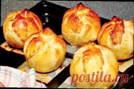 Как приготовить яблоки в слоеной рубашке - рецепт, ингредиенты и фотографии