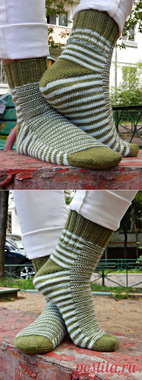 """""""Гусеница"""" – полосатые носки от мыска с клином подъема стопы."""