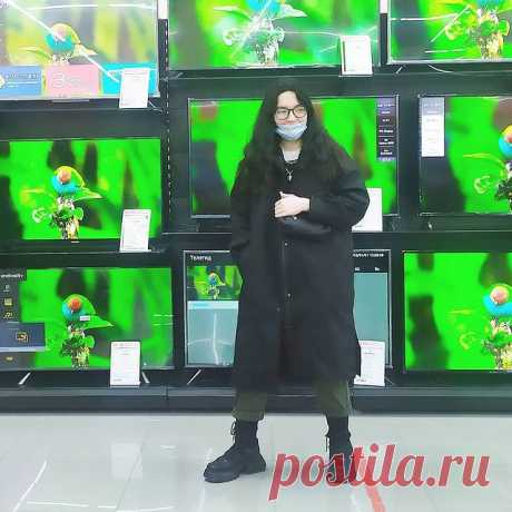 Photo by ЭТО Я — ПОЛЕЧКА on March 23, 2021. May be an image of 1 person and standing.