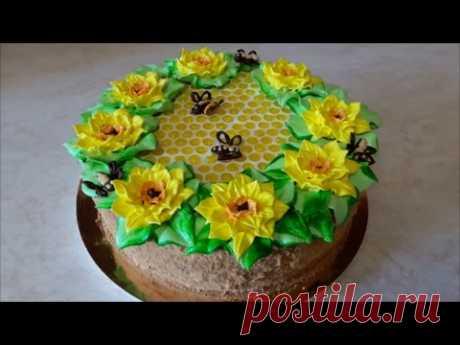 MEDOVIK cake the Recipe of a medovik on YOLKS of Honey Cake Recipe Registration of cake in house conditions