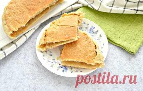 Пирог с тертыми яблоками из слоеного теста рецепт с фото пошагово