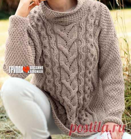 Шикарный свитер-оверсайз с миксом рельефных узоров на фоне жемчужного узора спицами