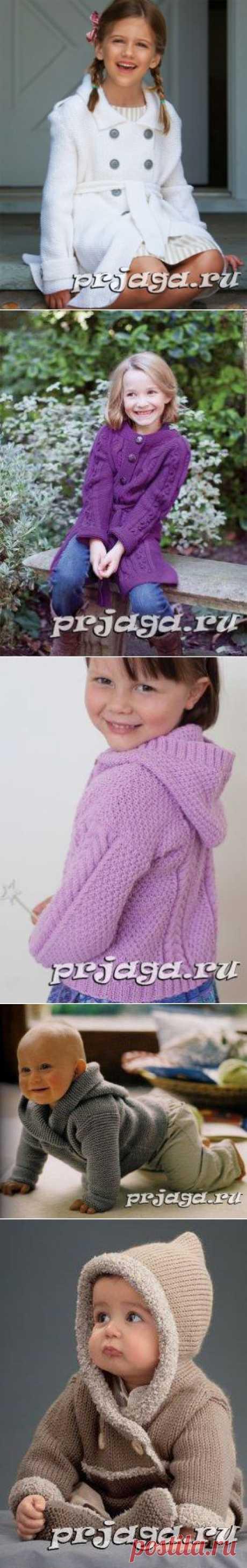 Детское пальто и курточка спицами или крючком
