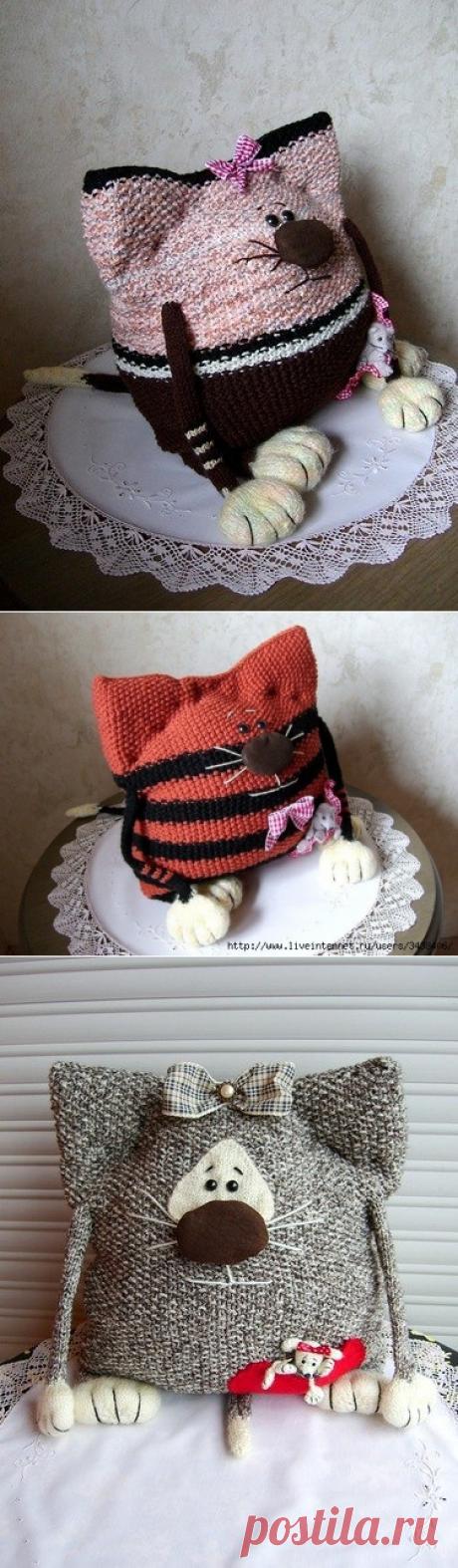 Забавные кото-подушки